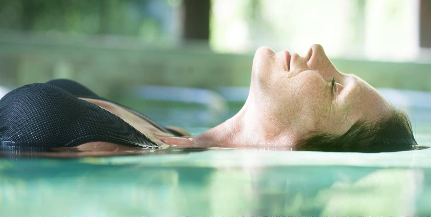 Relaxation en Piscine eau thermale - La Preste les Bains